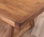 Habillo Wood Dining Table