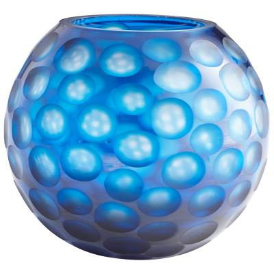 round toreen vase